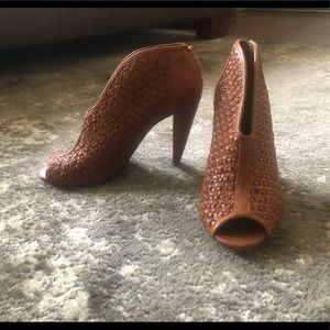 "4"" Vintage Women's Whicker Heel"